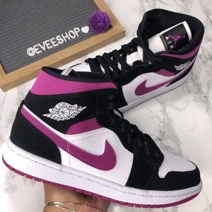 Jordan 1 - Color: Purple/Black/White